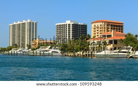 Fort Lauderdale Intracoastal Waterway with yachts and condominiums.
