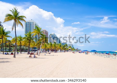 FORT LAUDERDALE,USA - AUGUST 11,2015 : People enjoying the beach at Fort Lauderdale in Florida on a summer day - stock photo