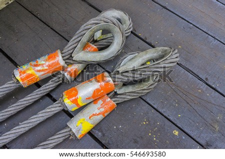 Four legged wire slings or wire ropes for heavy lifting purpose.