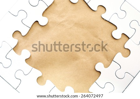 Frame text and jigsaw puzzles.
