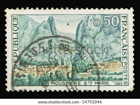 FRANCE - CIRCA 1965: A stamp printed in France showing Moustiers Sainte Marie, circa 1965