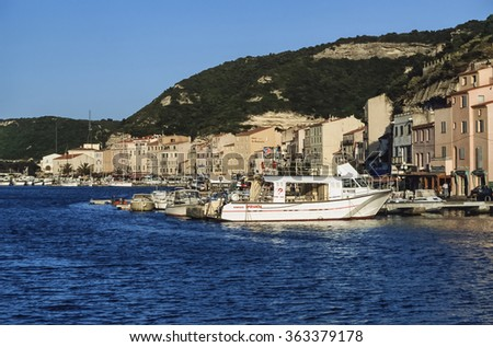 France, Corsica, Bonifacio; 14 September 2001, view of the port and the town - EDITORIAL
