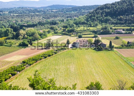 France,southern France, Provence, Vancluse Plateau and valley, as seen from Menerbes.
