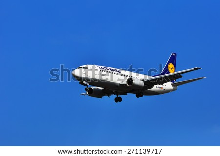 FRANKFURT,GERMANY-MARCH 28:Boeing 737-500 of Lufthansa airlines on March 28 in Frankfurt,Germany.Deutsche Lufthansa AG is a German airline and also the largest airline in Europe.