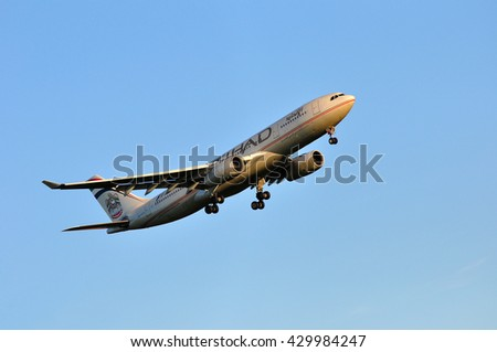 FRANKFURT,GERMANY-MAY 05:Airbus A330 of Etihad Airways above the Frankfurt airport on May 05,2016 in Frankfurt,Germany.Etihad Airways is a flag carrier of the United Arab Emirates, in Abu Dhabi.