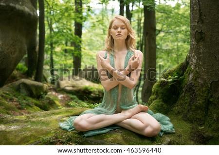 Fairy naked yoga — photo 9