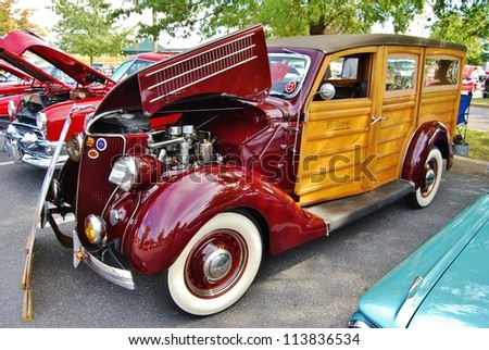 Woody Car Stock Images Royalty Free Images Amp Vectors
