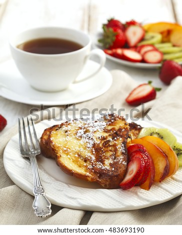 French toast with berries and fruits