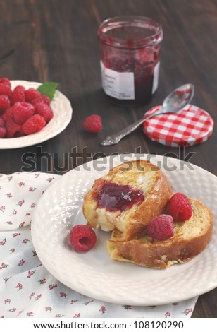French toast with jam and berries
