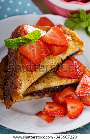French toasts with chocolate hazelnut filling and strawberry