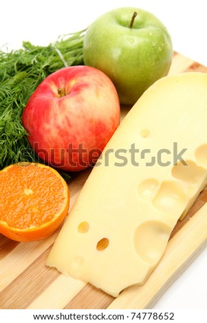 Fresh cheese and fruit