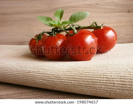 fresh cherry tomatoes