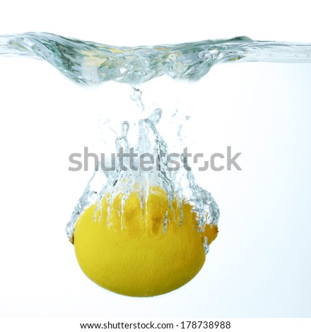 fresh lemon in water