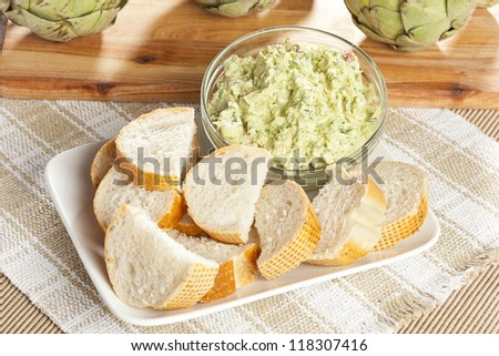 Fresh Organic Artichoke Dip with fresh Bread
