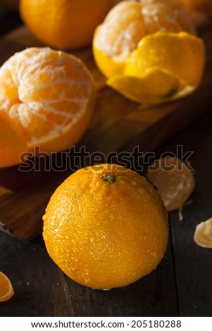 Fresh Raw Organic Mandarin Oranges Ready to Eat