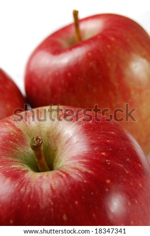 Fresh red apples (shallow DOF)