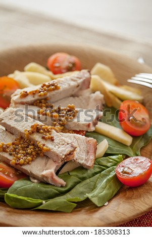 Fresh salad with meat and tomatoes