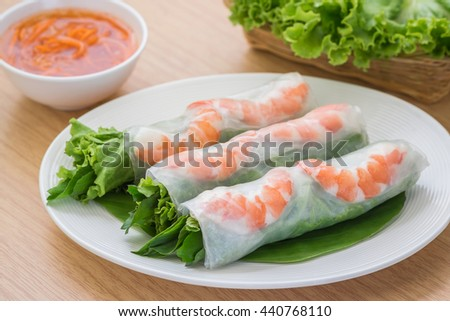 Fresh spring roll with shrimp and dipping sauce, Vietnamese food