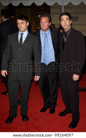 Friends star MATT LEBLANC (left) MATTHEW PERRY & DAVID SCHWIMMER  at the 28th Annual People's Choice Awards in Pasadena. 13JAN2002.  Paul Smith/Featureflash