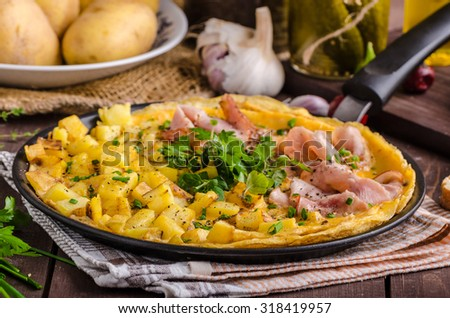 Frittata with herbs and ham, rustic style, delicious with herbs and bio ham