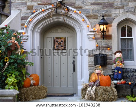 front door with halloween decorations - Halloween Decorations House