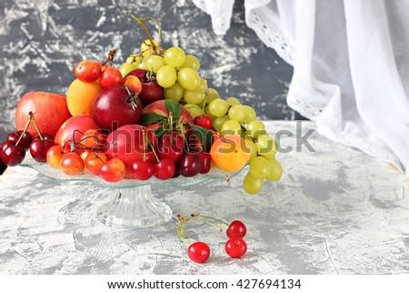fruit plate fruit plate banco de imgenes fotos y vectores libres de derechos