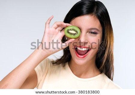 Funny face with a kiwi