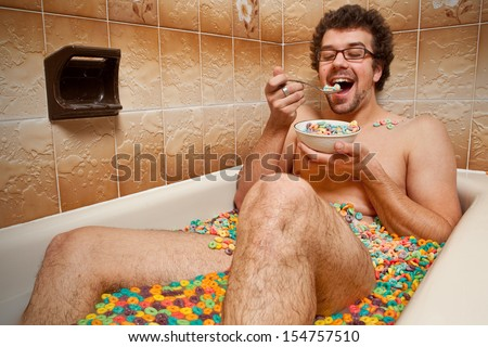 Exceptional Funny Man Eating His Cereals In The Bathtub
