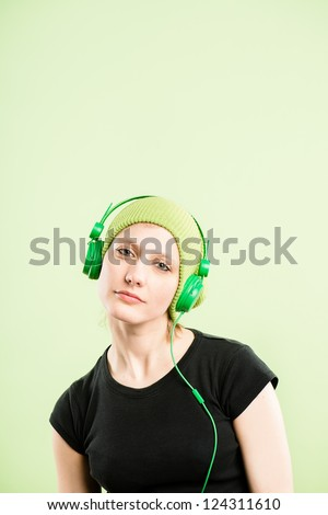funny woman portrait real people high definition green background - stock photo
