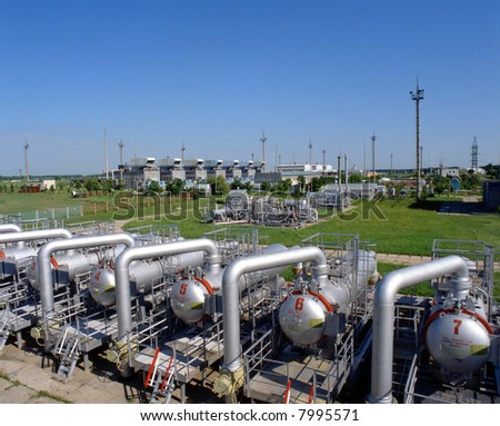 Gas industry, gas injection, storage and extraction from underground storage facilities