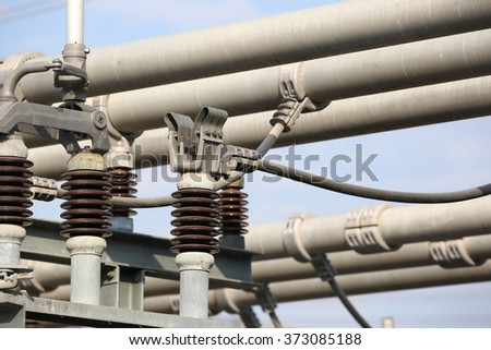 Gas insulated switchgear and its outdoor electrical equipment under-construction