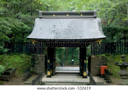 gates in japanese temple