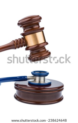 gavel and stethoscope, symbolic photo for bungling doctors and error