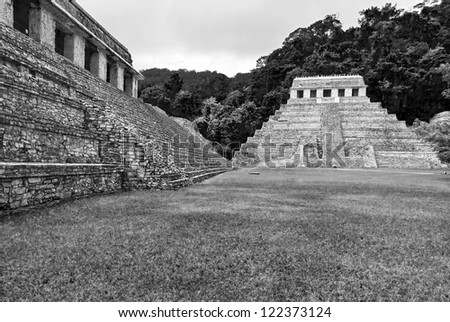 General view of the square in Palenque, Mexico (black and white)