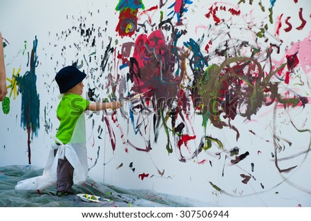 genevaswitzerlad july 2 2012 the kid paint the wall - Picture For Kid Painting