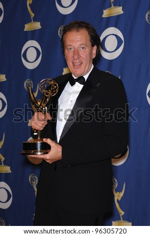 GEOFFREY RUSH at the 57th Annual Primetime Emmy Awards in Los Angeles. September 18, 2005  Los Angeles, CA.  2005 Paul Smith / Featureflash