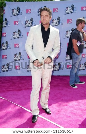 Gerard Butler arriving at the 2007 MTV Movie Awards. Gibson Amphitheatre, Universal City, CA. 06-03-07