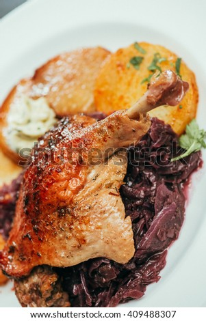 German cuisine, Crusty duck leg with braised red cabbage and dumplings