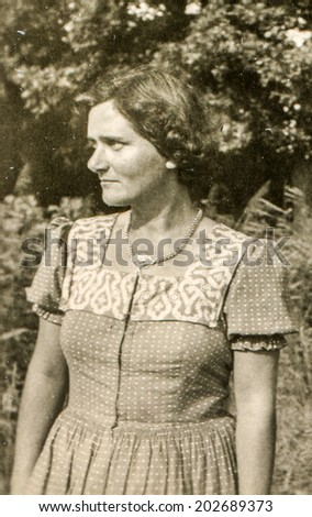 GERMANY, CIRCA FIFTIES - Vintage photo of woman