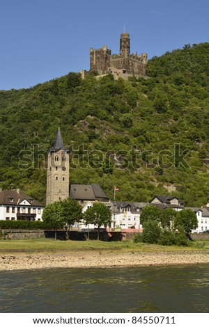Germany, Rhine Valley, Unesco World Heritage, castle maus and church in Kester village
