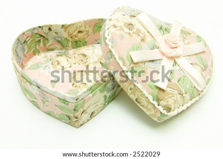 Gift Box - Heart shape with Ribbon