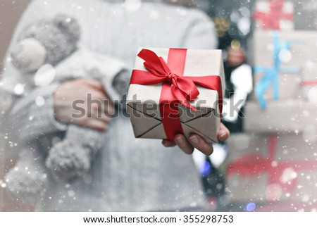 gift giving hand christmas