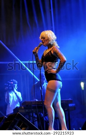 GIJON, SPAIN - JUNE 29: Vinila von Bismark, sultry singer, DJ and Burlesque actress in June 29, 2015 in Gijon, Spain. Concert in Metropoli Festival in Gijon, Spain.