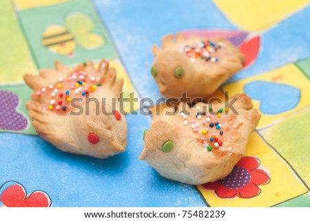 Gingerbread birds (traditionally baked on 40 martyrs day)