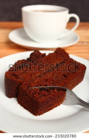 Gingerbread Cake with Jam