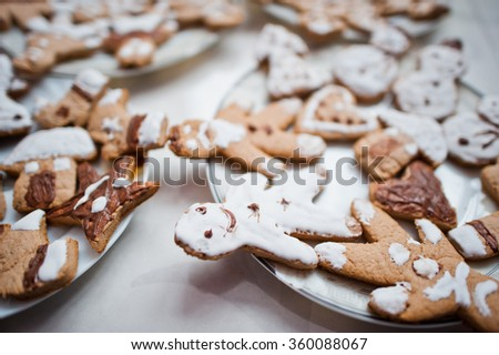 Gingerbread cookies or christmas cookie close up