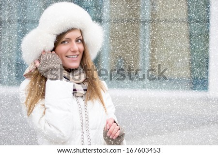 girl in white, it's snowing