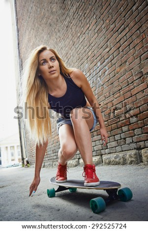 girl with long board