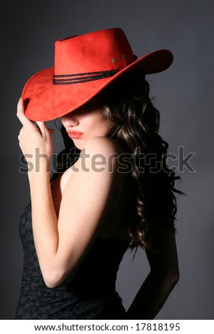 girl with red hat and lips