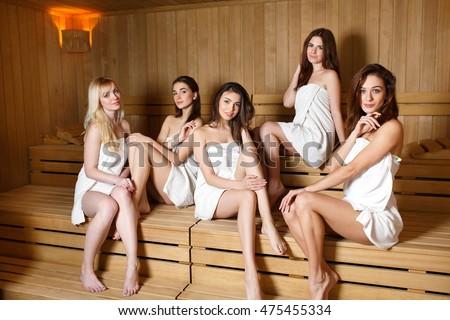 фото в бане девочки